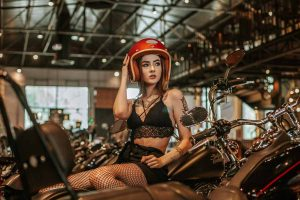 Different styles of cafe racer helmets through the years