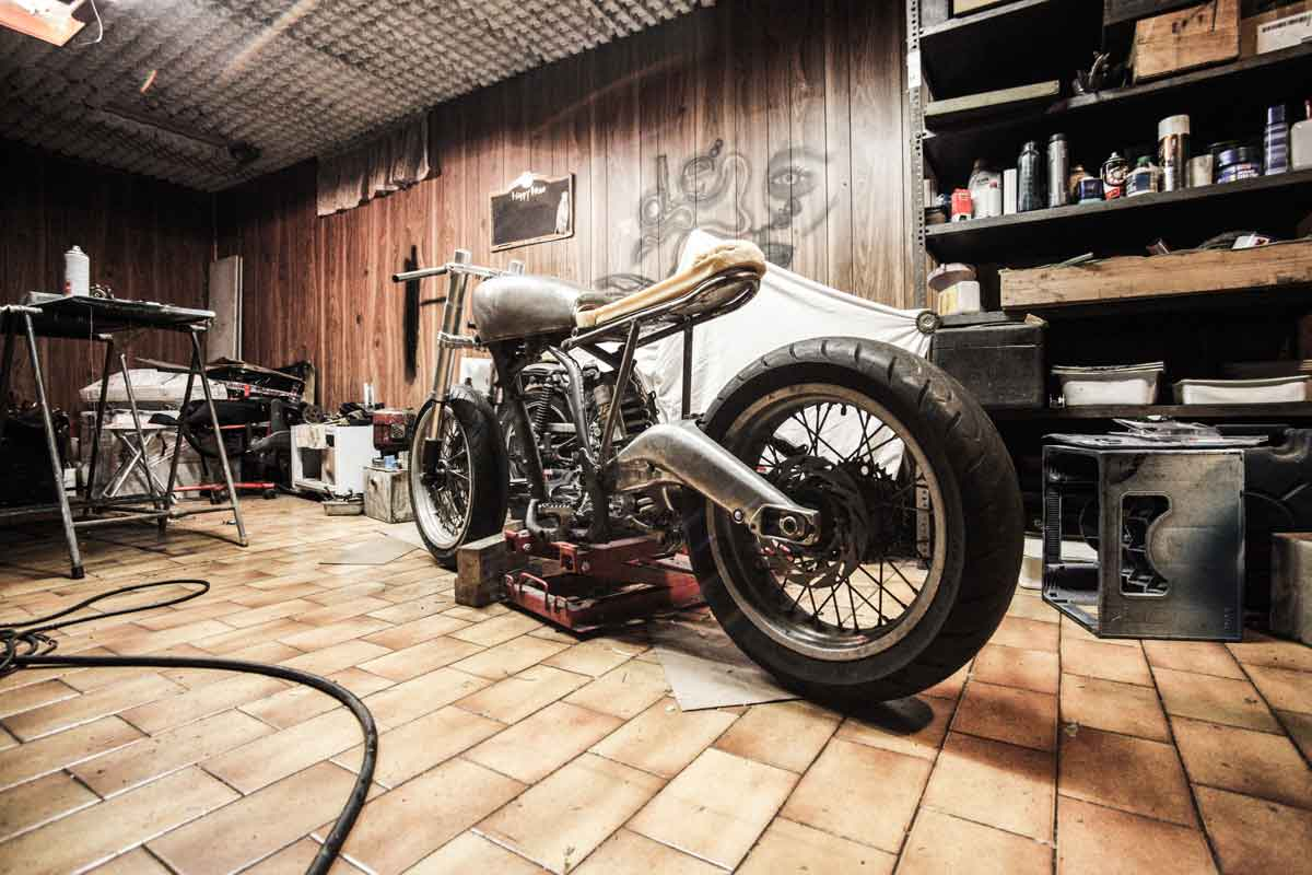 Custom Bike build in procress Garage